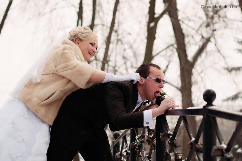 Кадр с зимней свадьбы Кати и Юры
